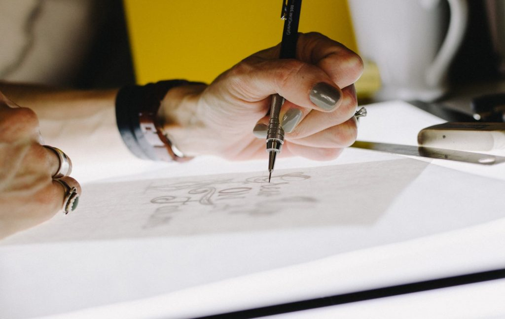 Graphic Artist - 5 Trends That Will Take Over The eCommerce Design World